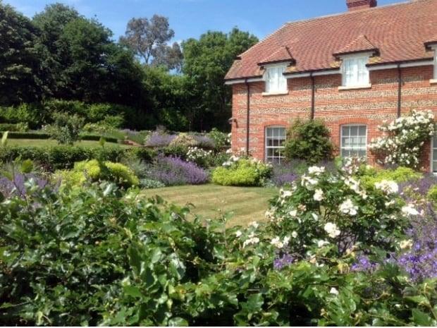 Rural garden amy perkins garden design creating for Rural garden designs