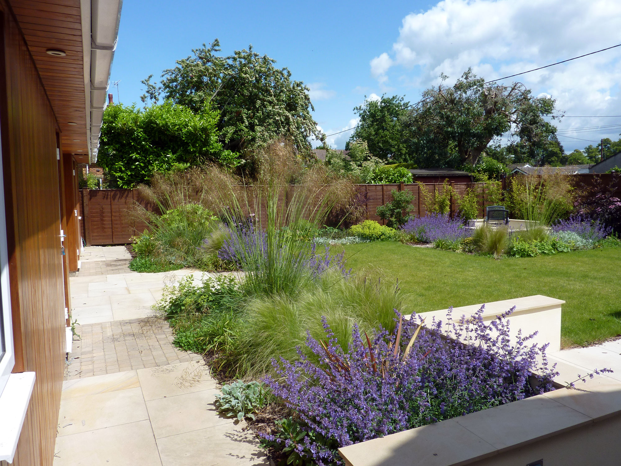 Modern garden romsey hampshire amy perkins garden for Conception de jardin terrasse